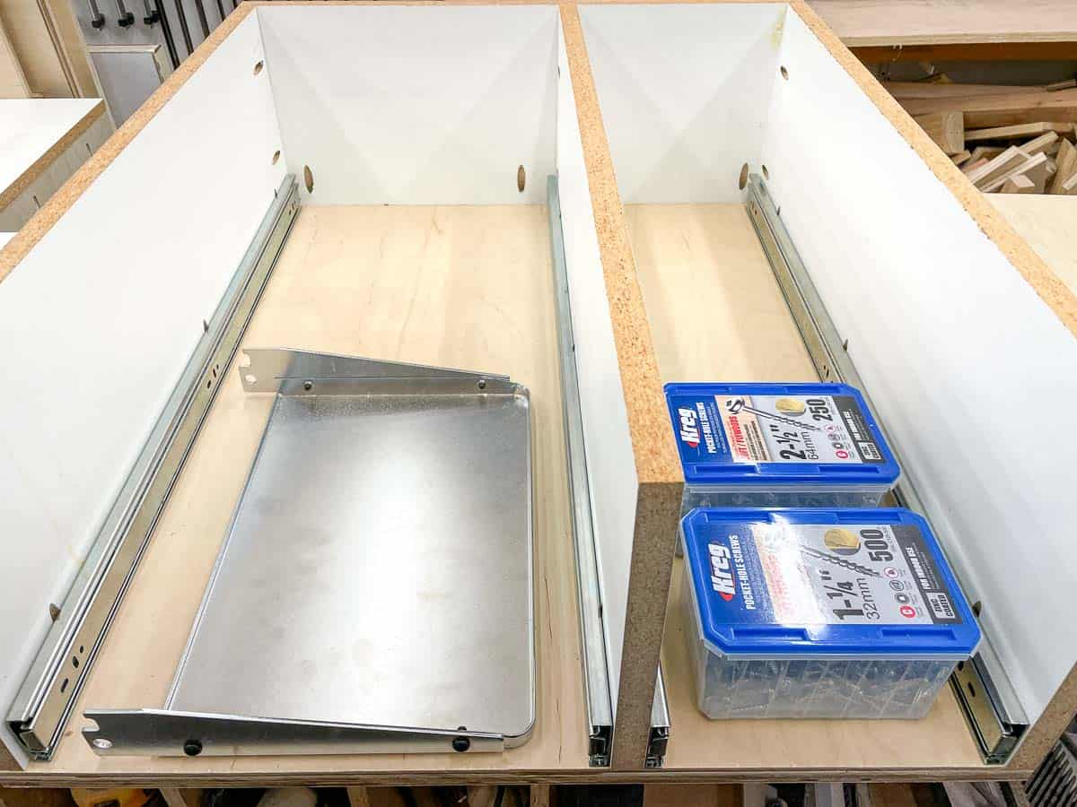 planer outfeed table and screw boxes inside drawer of planer stand