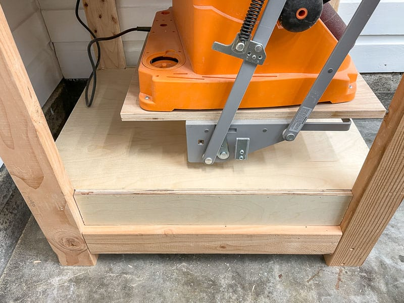 side view of drawer box on tool stand