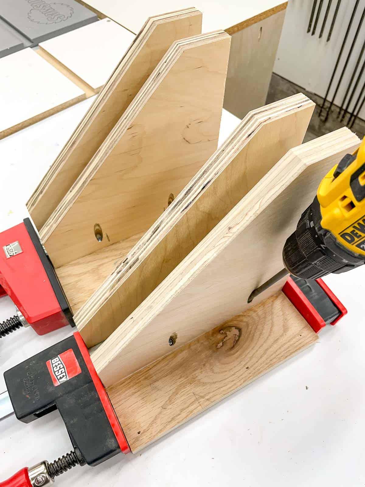 assembling DIY clamp rack with pocket hole screws
