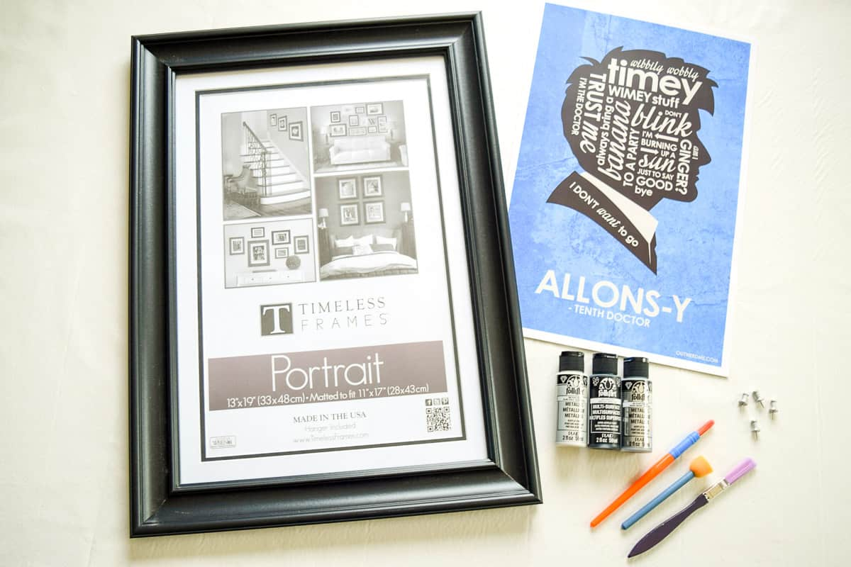 materials needed for painting a picture frame with craft paint