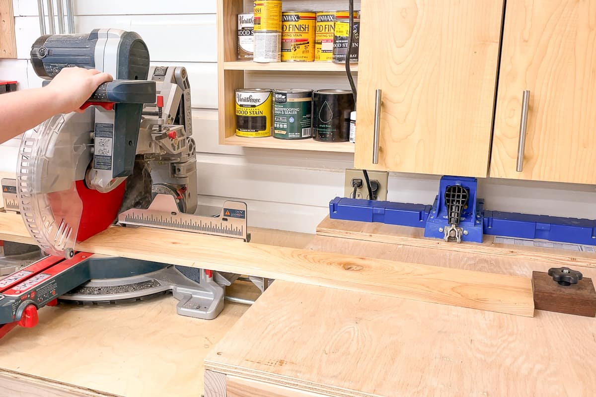 cutting fence pickets for strawberry planter with a miter saw