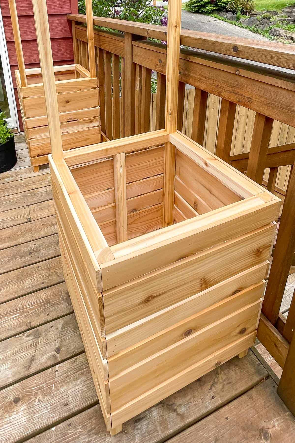 side planter boxes for plant stand in place on deck