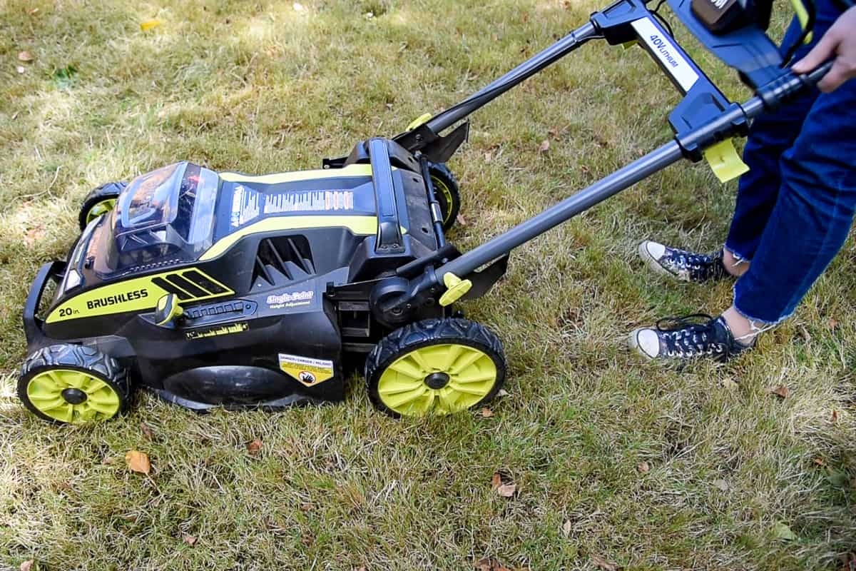 extending the handle on the Ryobi electric lawn mower