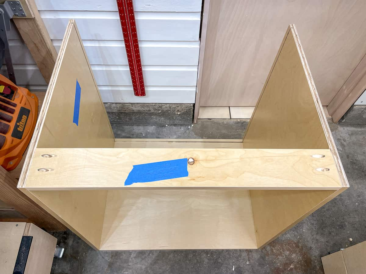 basic cabinet box with front stretcher attached